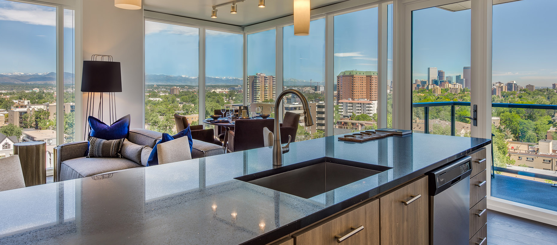 Towers Ii And Iii Studio 1 2 Bedroom Apartments In Denver Co