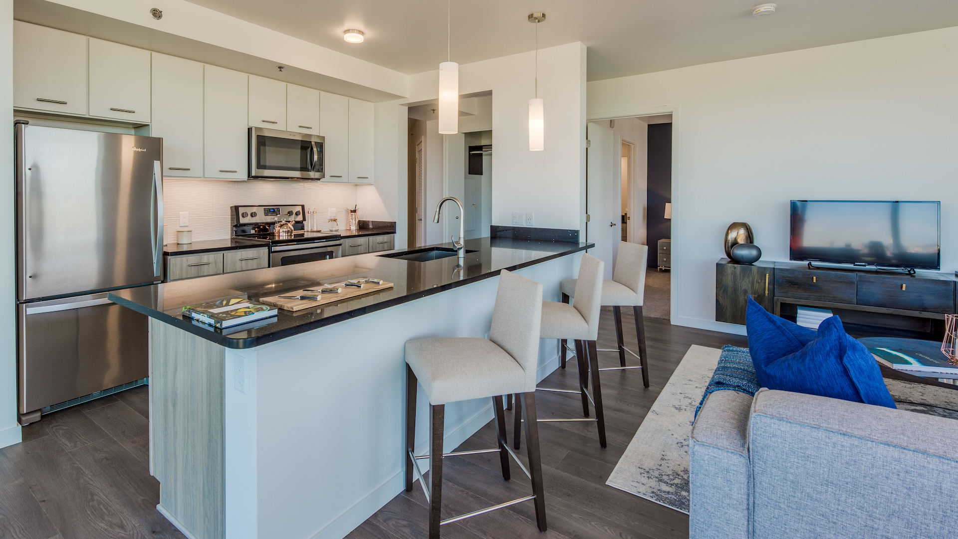 Towers II And III | Luxury High-Rise Apartment Living In Denver, CO